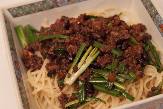 Chinese meat sauce noodles